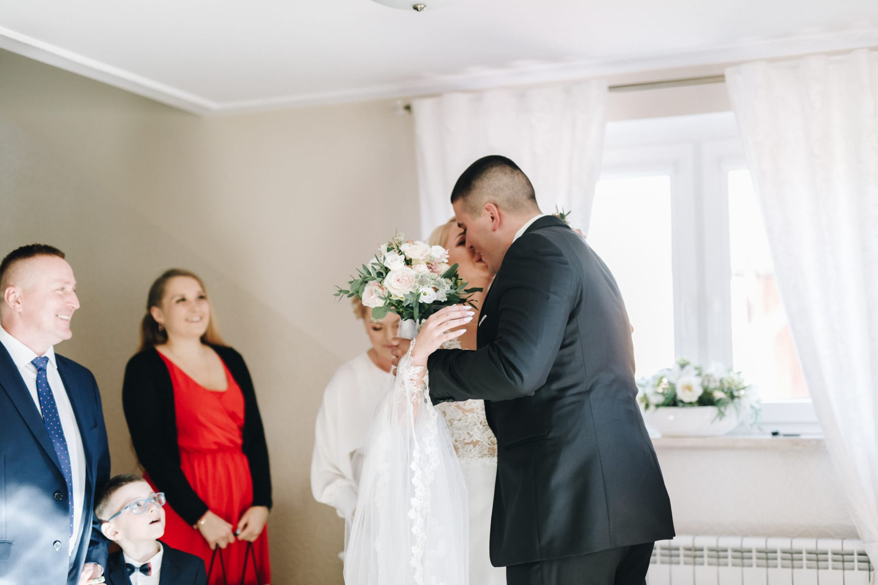 Ślub w drewnianym kościele-24