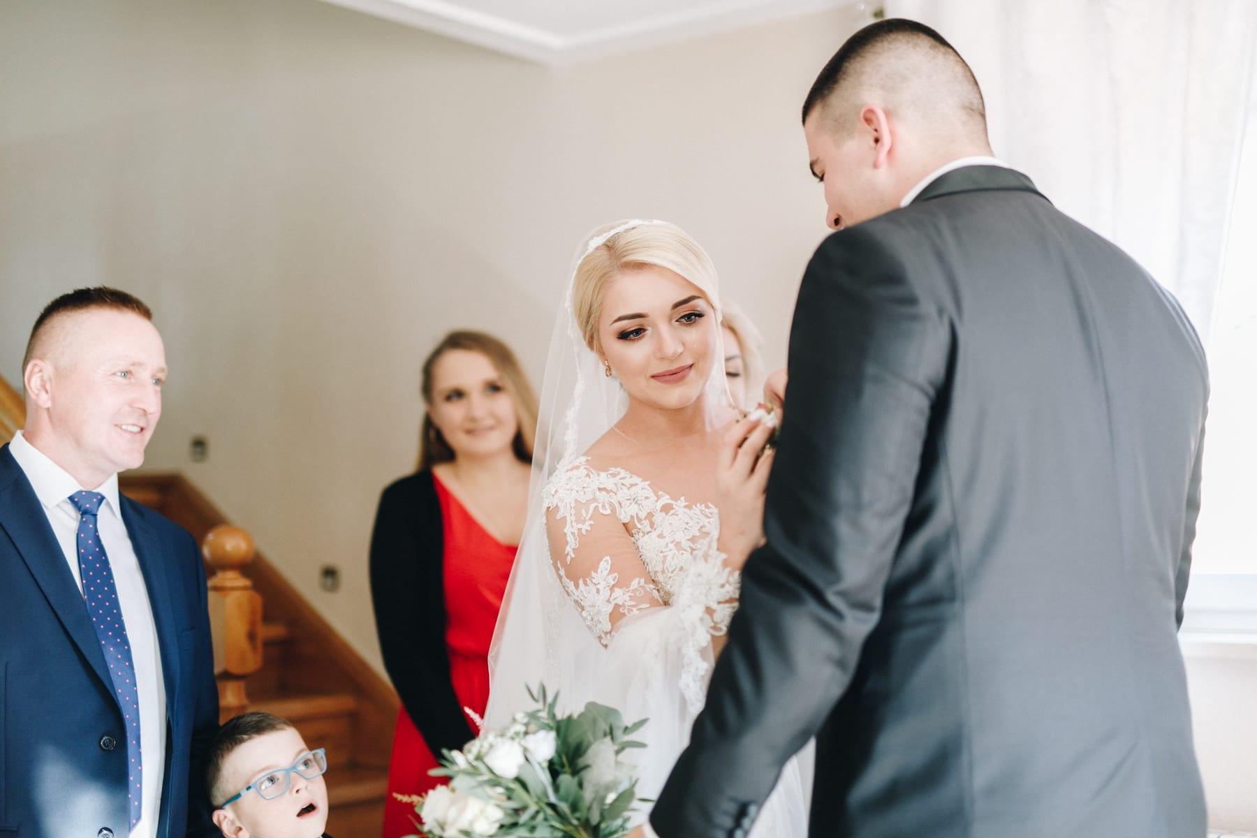 Ślub w drewnianym kościele-25
