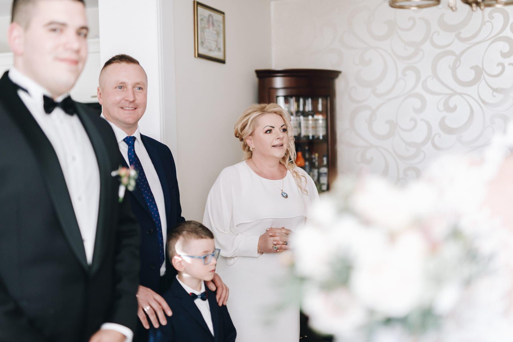 Ślub w drewnianym kościele-28