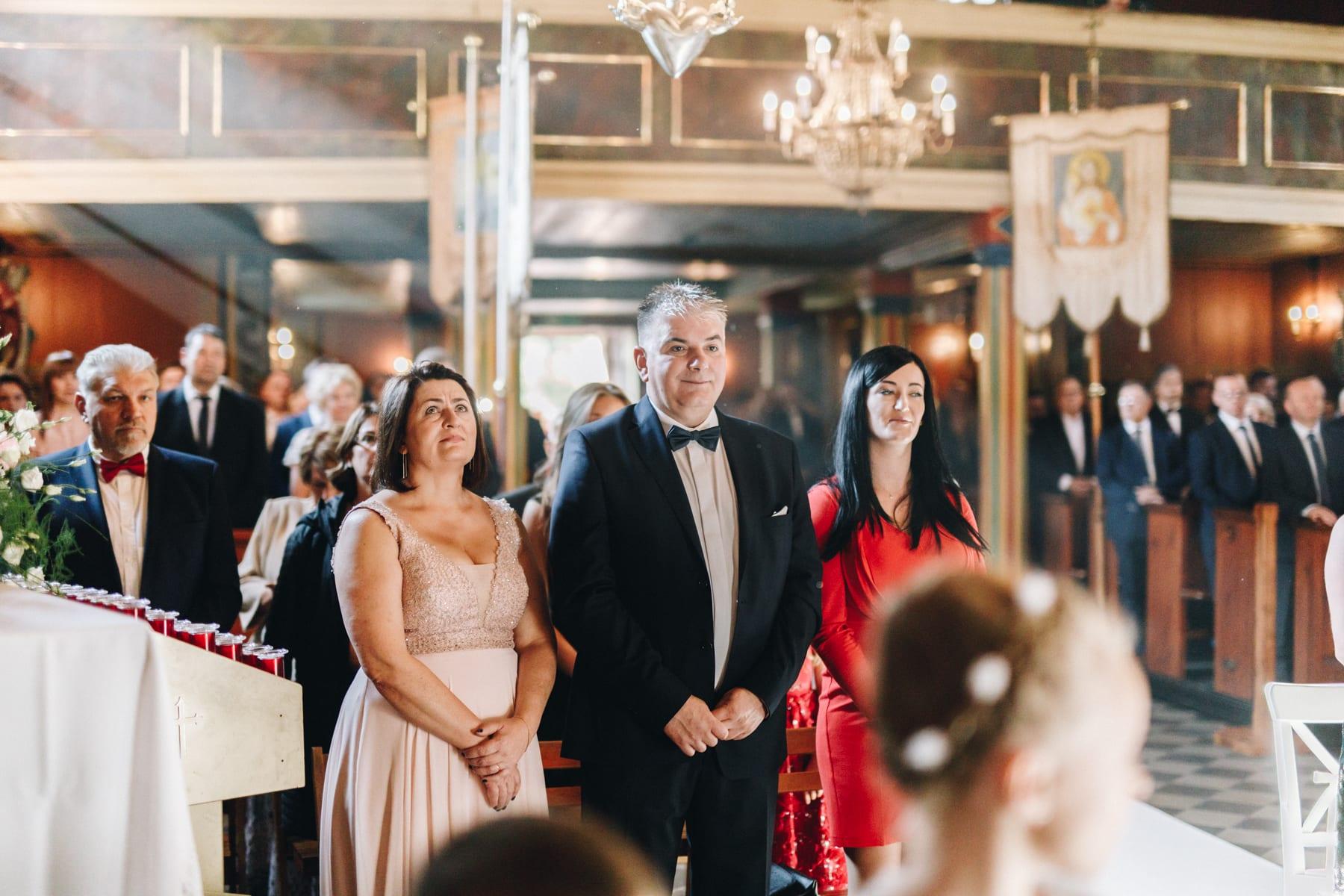Ślub w drewnianym kościele-45