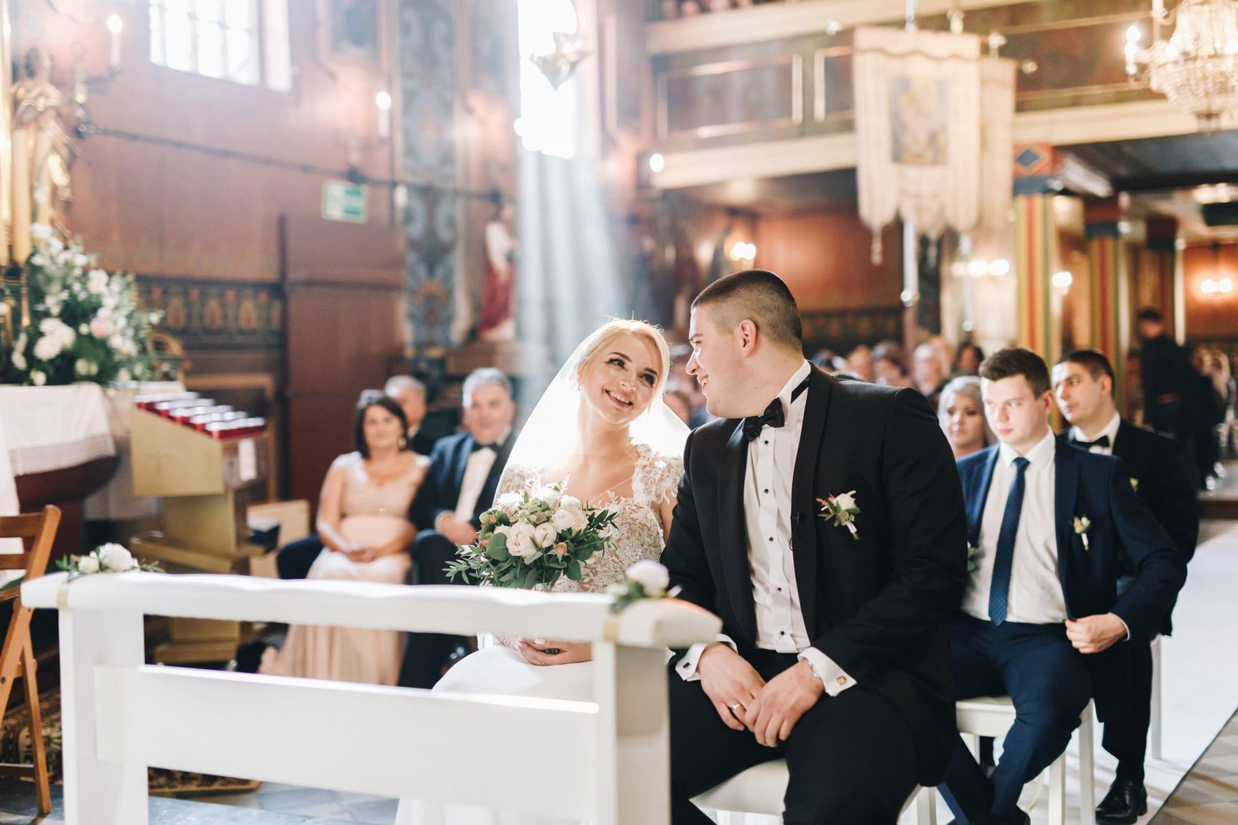 Ślub w drewnianym kościele-58